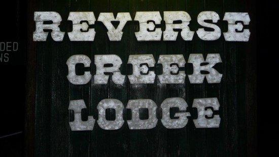 Reverse Creek Lodge: Entrance