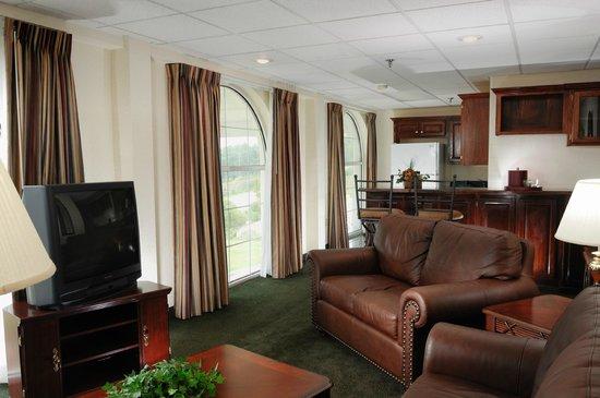 Savannah House Hotel : Presidential Suite Living Room