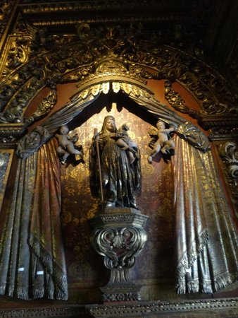 Sao Bento Monastery : Side chapel altar