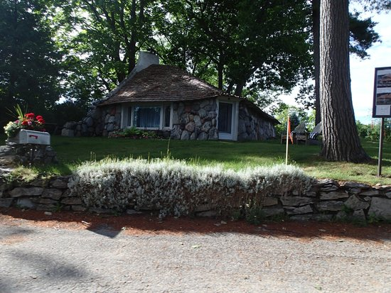 Mushroom Houses of Charlevoix: Half House