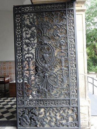 Sao Bento Monastery : Iron main gate