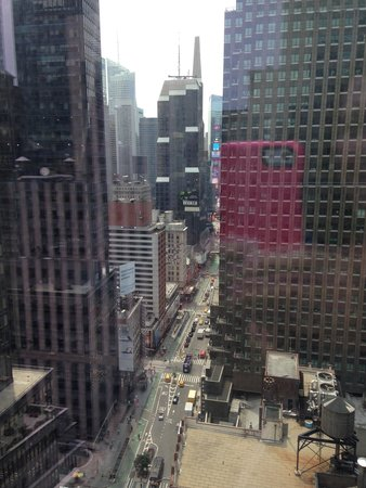 Courtyard by Marriott New York Manhattan/Central Park: View during the day straight down Broadway to Times Square