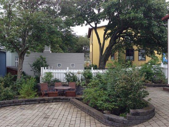 Forsaela Apartmenthouse: Adorable courtyard