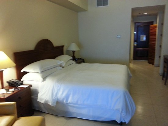 Sheraton Bijao Beach Resort - An All Inclusive Resort: Bedroom