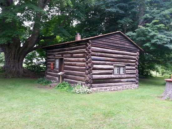 Ontario, Estado de Nueva York: Civil War era log cabin