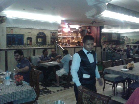 Cross Roads Bar & Restaurant: Cross Roads - Interiors