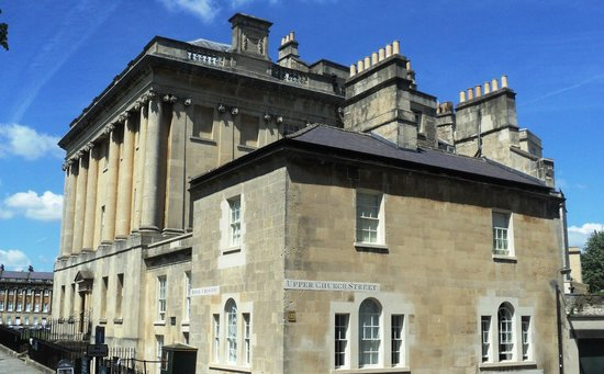 Premier Inn Bath City Centre Hotel: Old Stone building