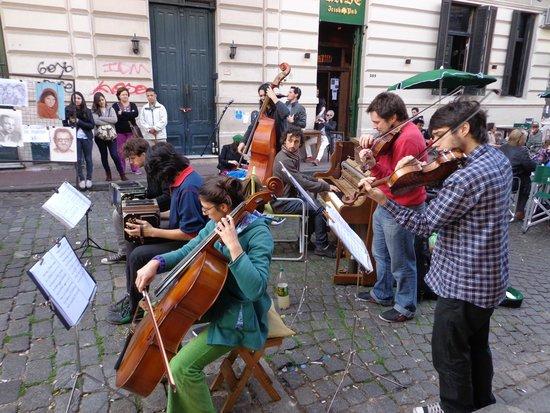 Feria De San Pedro Telmo: great music whilst you shop