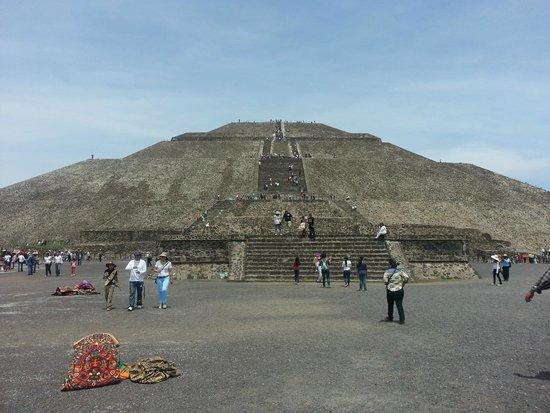Teotihuacan : Piramde del Sol