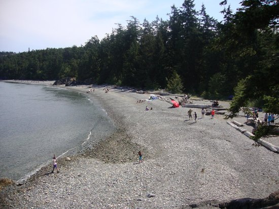 Deception Pass State Park: Relaxing on the beach