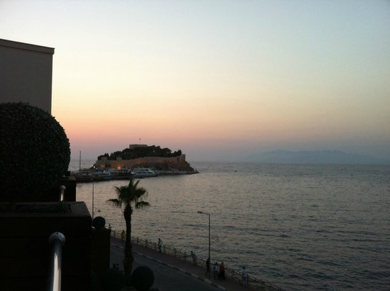 Efe Boutique Hotel: View of castle from balcony as sun sets