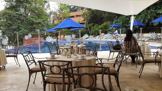 Hotel Dann Carlton Belfort: hermoso lugar para desayunar y/o almrzar, tranquilo y cálido