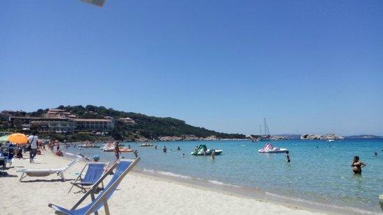 Rena Bianca Hotel&Residence: panorama della spiaggia