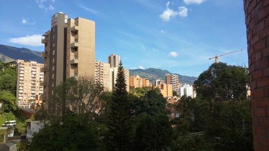 Hotel Dann Carlton Belfort: Vista desde habitación del 7° piso, a las 4 pm