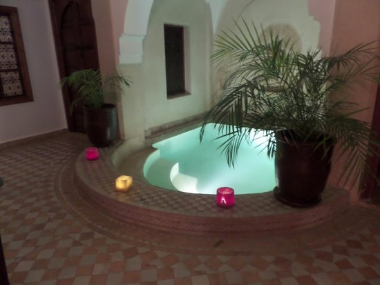 Riad 107: plunge pool (very cold)