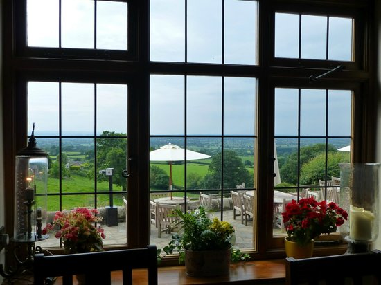 The Pheasant Inn: Great views inside and out