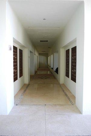 Marquis Los Cabos All-Inclusive Resort & Spa: corridor to honeymoon suites
