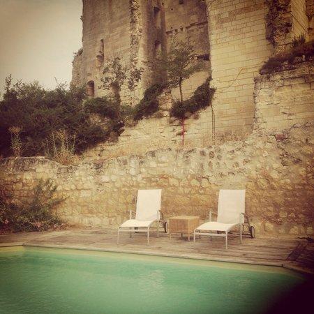 Auberge de Crissay: Pool area