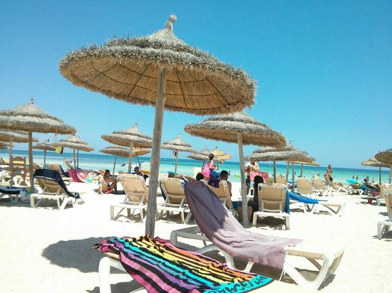 Seabel Rym Beach : Spiaggia la mattina.