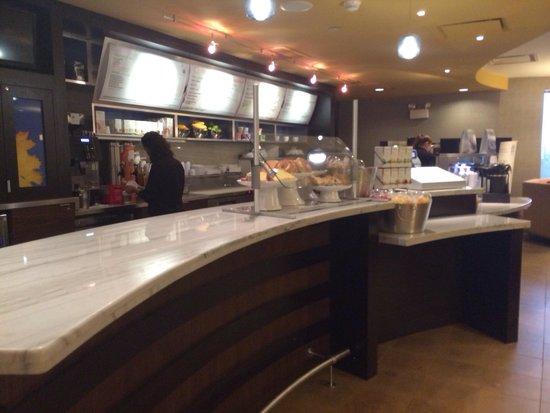 Courtyard Hanover Lebanon: Starbucks coffee here