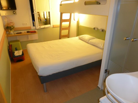 Ibis Budget Biarritz Anglet: Room