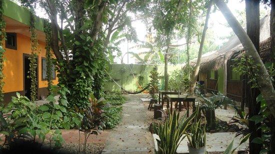 Secret Garden Hotel: Beautiful grounds