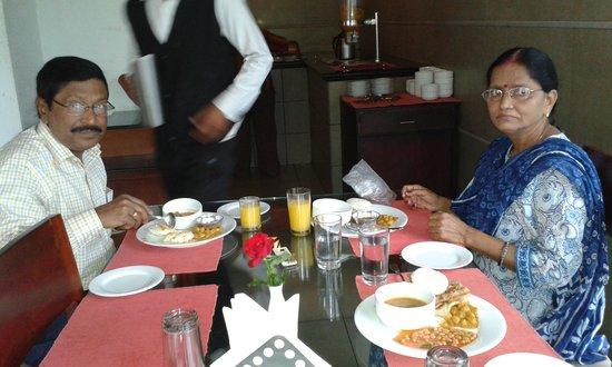Grand Plaza Munnar : AT RESTAURENT,,, NICE FOOD.. :)