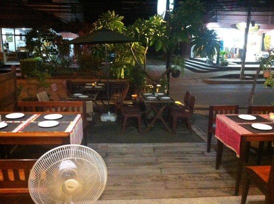 Phensiri Thai Restaurant: Terrace