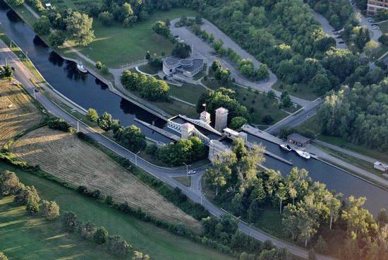 Peterborough Lift Lock : Picture taken from the air a month after our visit .
