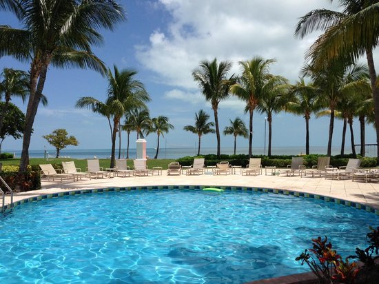 Old Bahama Bay: Poolside