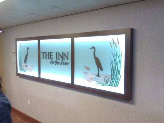 The Inn On The River : Front desk sign