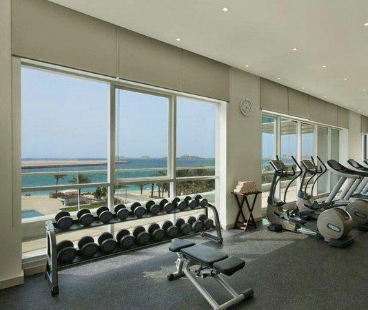 DoubleTree by Hilton Hotel Dubai - Jumeirah Beach: Gym