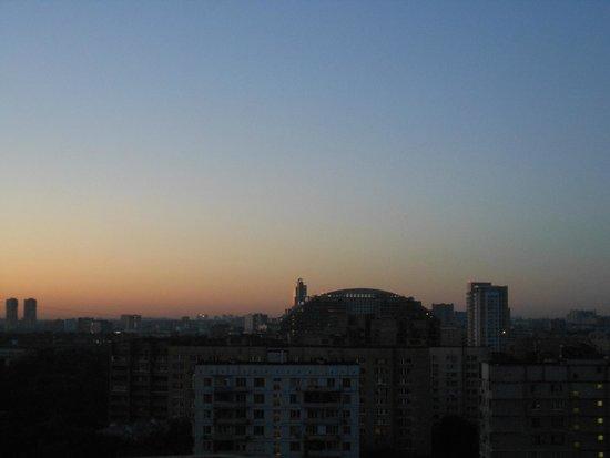 Original Sokos Hotel Olympia Garden: alba dalla finestra della nostra camera
