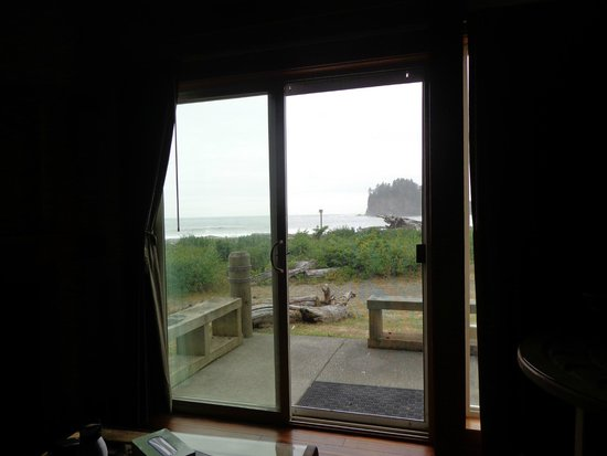 Quileute Oceanside Resort: View from the sofa