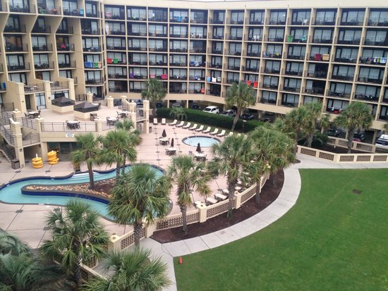 DoubleTree Resort by Hilton Myrtle Beach Oceanfront : Our view from fifth floor live oaks end room