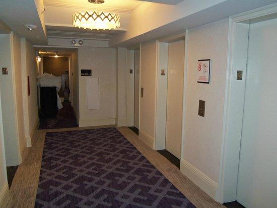 The Lexington New York City, Autograph Collection : Elevator area