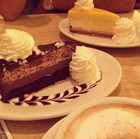 The Cheesecake Factory: Cheesecakes are good but nothing special