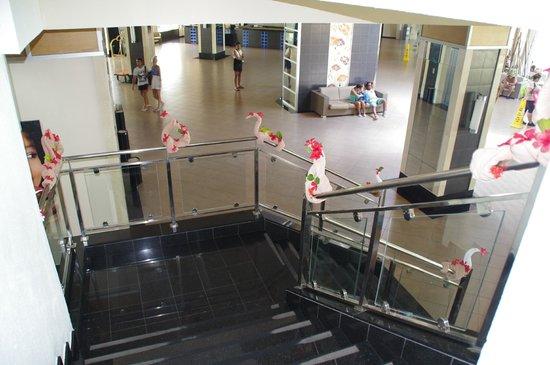 Hotel Riu Naiboa: halle d'entrée