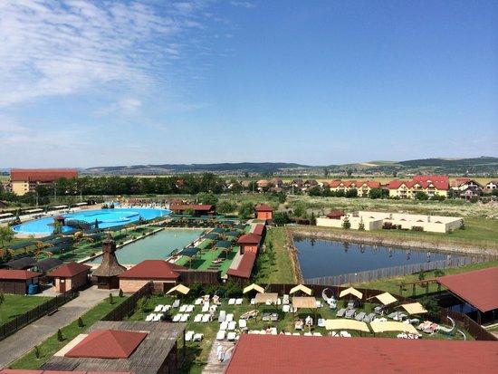 Apollo Wellness Club: Open air pools