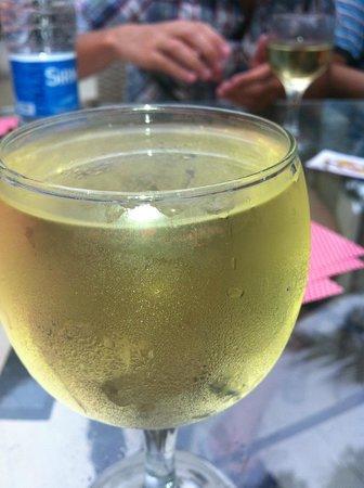 Majesty Club La Mer: Someone's lipstick on the glass