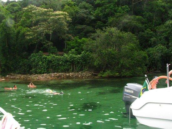 Lagoa Verde, Ilha Grande : todas las embarcaciones llegan al mismo tiempo, eso es un garron