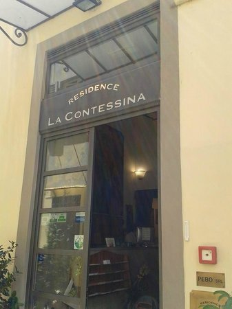 Residence La Contessina: Front door
