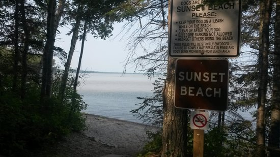 Hecla Provincial Park: Sunset Beach