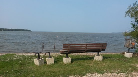 Hecla Provincial Park: Lakeview Resort Beach