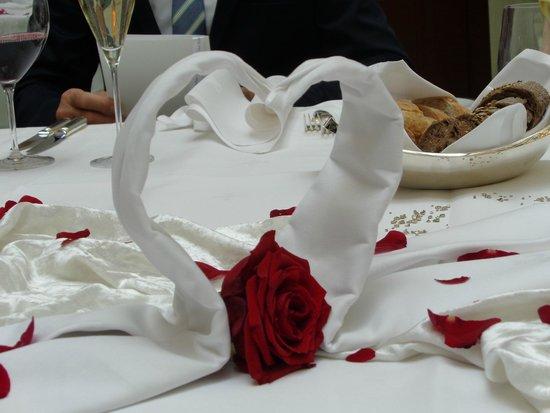 Bülow Palais: Der festlich gedeckte Hochzeits-Mittagstisch