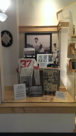 Ramada Plaza Fargo Hotel & Conference Center : Roger Maris Museum