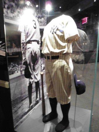 competitive price bfa6d 64254 Babe Ruth's baseball uniform - รูปถ่ายของ National Baseball ...