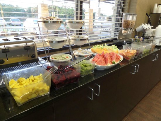 Sleep Inn & Suites Dripping Springs: More fruits than most places.