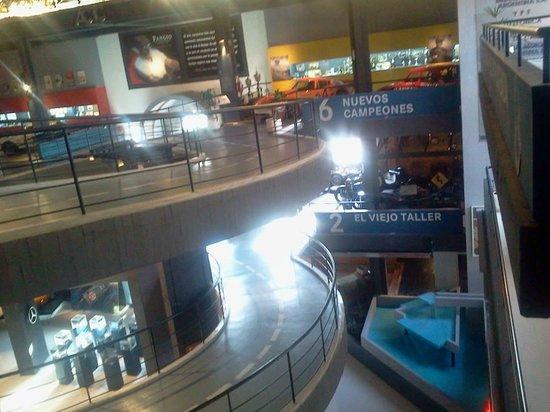 Fangio Museum: Bandejas Interiores