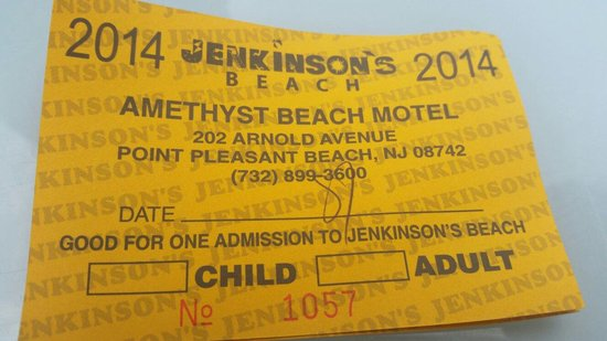 Amethyst Beach Motel: Daily beach passes for an extra fee
